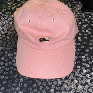 pink vineyard vines hat